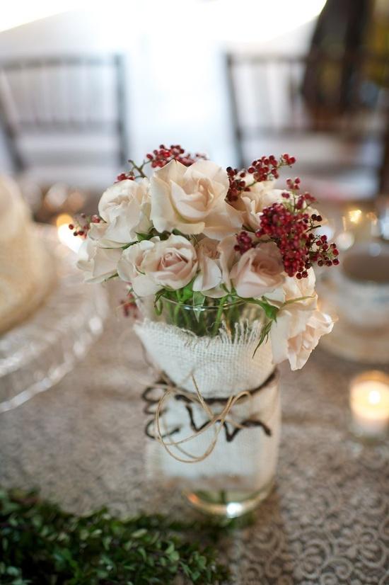 Love this simple flower arrangement