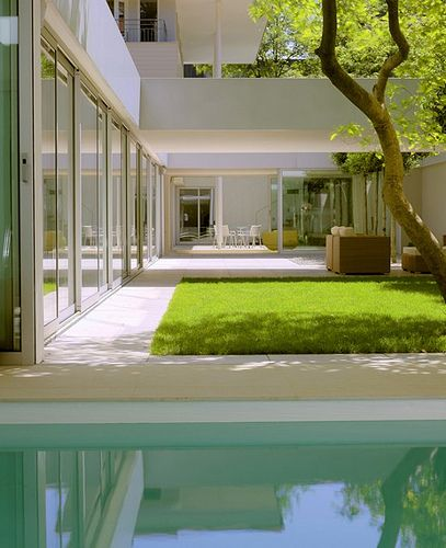 New inspiration: Modern Low House With Zen Garden And Green Roof