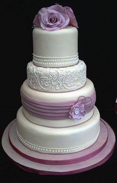 vintage lace cake