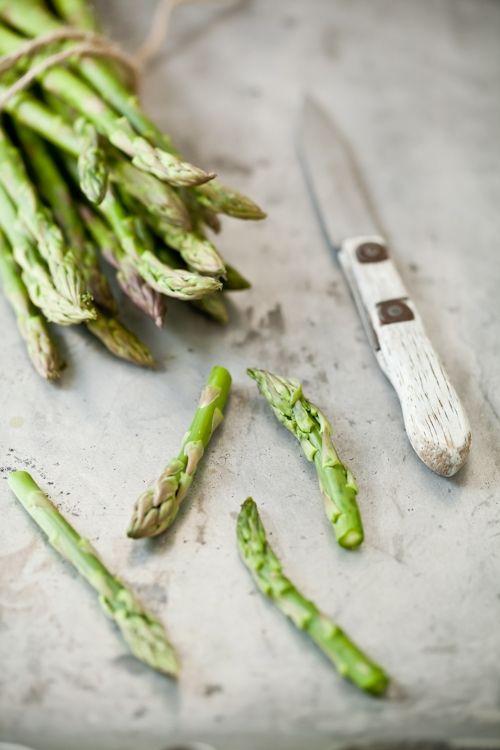 asparagus. just gorgeous. Helene Dujardin, photographer. #photography #food #styling