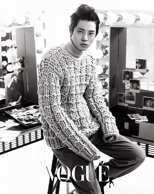 'Superstar K4?s Roy Kim and Jung Joon Young pair up for 'Vogue Korea'