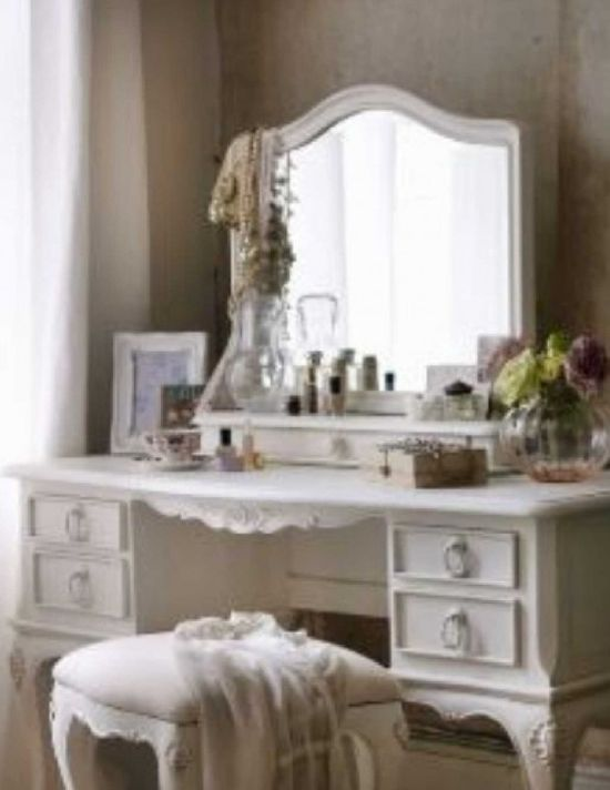 Shabby chic bedroom. Paint headboard whi - ideasforho.me/... -  #home decor #design #home decor ideas #living room #bedroom #kitchen #bathroom #interior ideas
