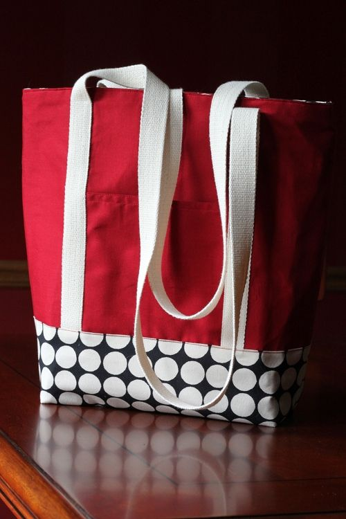 DIY: shopper tote bag -- this is a GREAT tote pattern! Perfect for us homeschooler's (we use a LOT of tote bags!). ;) ?
