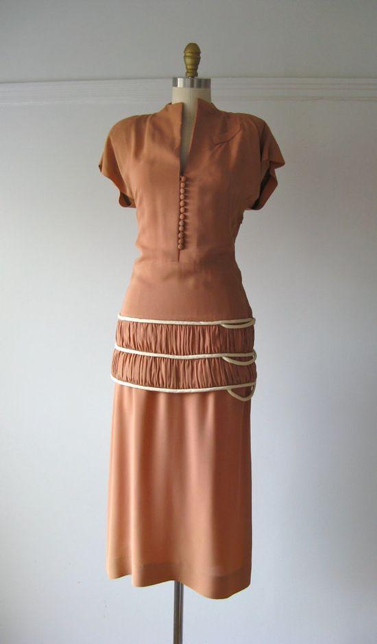 vintage 1940s two-piece dress / Vanilla Swirl