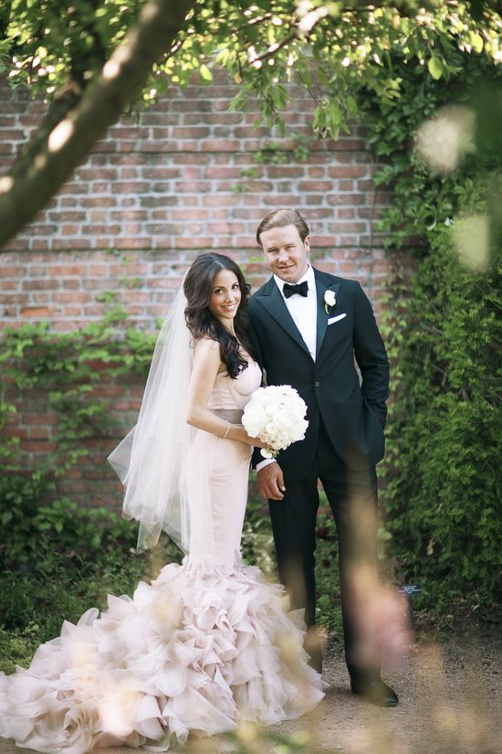 Wedding Wednesday: Our Wedding Photos garden wedding #verawang #bride