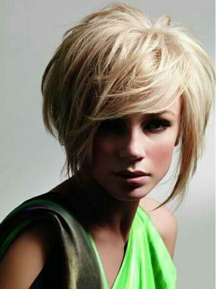 If I were ever to cut my hair short, I would do this!