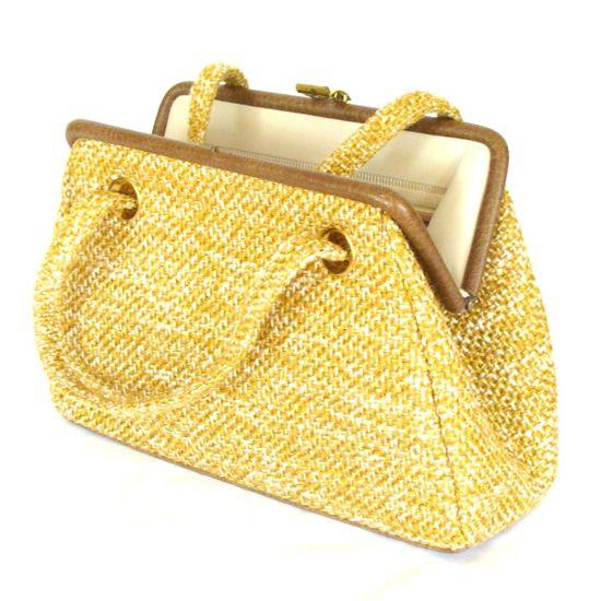 pretty vintage purse