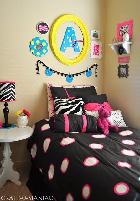 Girls Bedroom Decor www.craft-o-mania... #girlsbedroom #bedroom