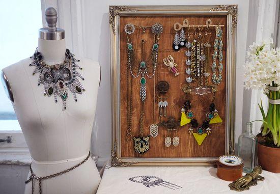 DIY///Jewelry Display