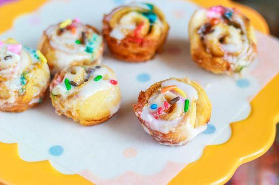 Cake Batter Cinnamon Buns-5