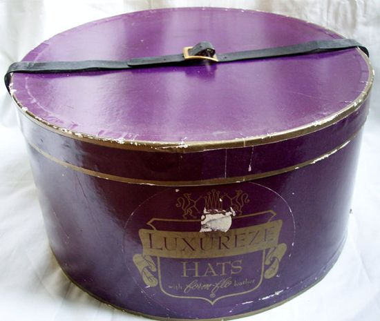 Vintage Oval Hat Box 1950s Plum Purple Black by VintageBarrel, $24.99