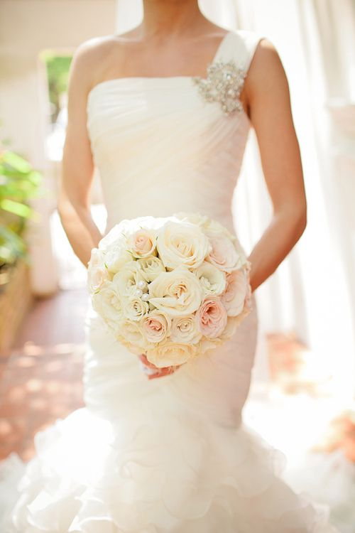 White, cream and pale pink bouquet with pearls inserted at classic and romantic Florida wedding, photo by La Dolce Vita