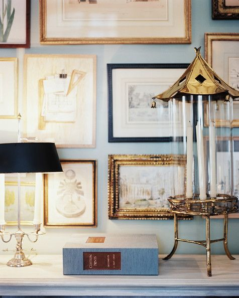 obsessed with a salon wall that embraces smaller pieces.