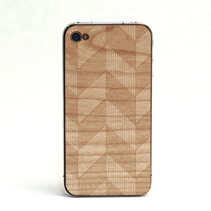 Real wood I phone cover in chevron?!?! Drooling.