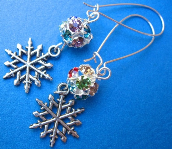 WINTER IS COMING earrings on French wires. $9.00.  www.etsy.com/...