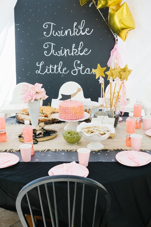 We love this adorable Twinkle Twinkle Little Star Birthday Party!