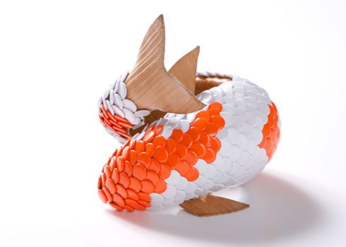 COLLECT - Gal . Rob Koudijs -  Koi bracelet by David Bielander; Diam 6.5 cm; Gallery: Galerie Rob Koudijs; Photo: David Bielander, 2012