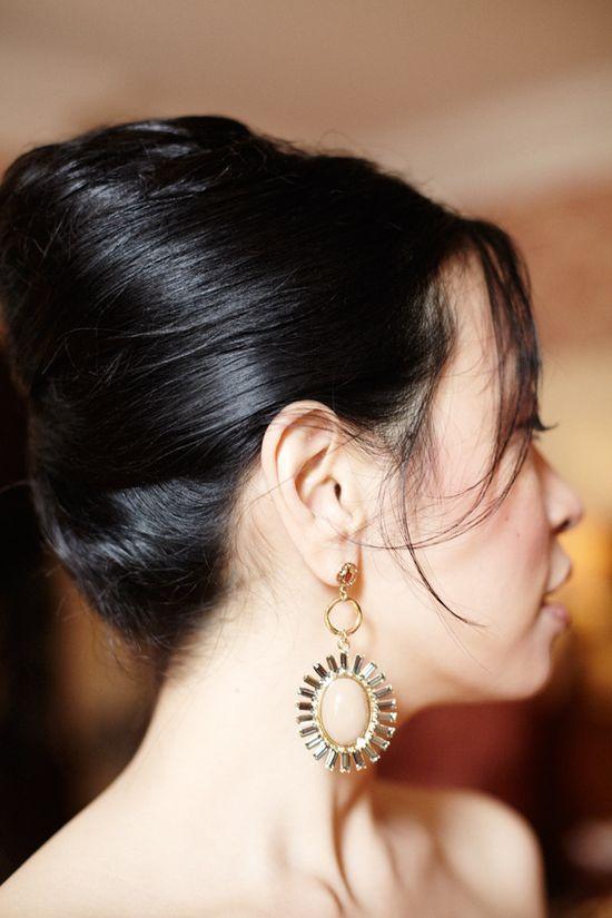 elegant earrings by www.rachelleigh.c...   Photography by alexandrameseke.com