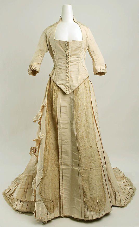 Wedding Dress #1881 #1880s #VBT
