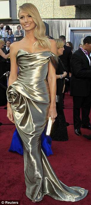 The Stacey Keibler Oscars 2012 Dress Resembles the Award of the Night