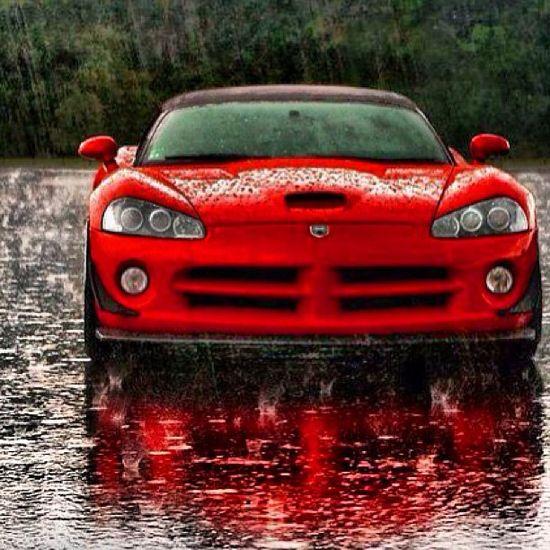 Immense  Dodge viper!  Even more Dramatic in the rain!