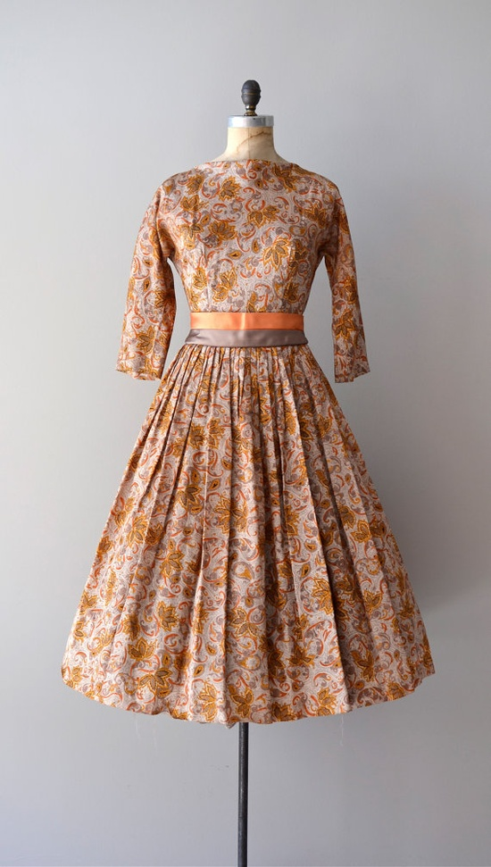 #50s #floral #dress #1950s #partydress #vintage #retro #sundress #floralprint #petticoat #romantic #belt #feminine #fashion