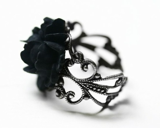 Black rose ring