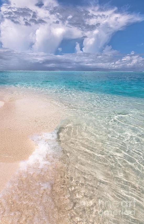 ? Maldives - Beautiful Natural Wonder
