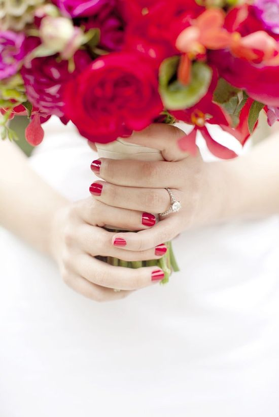 more brides need to do colored nails