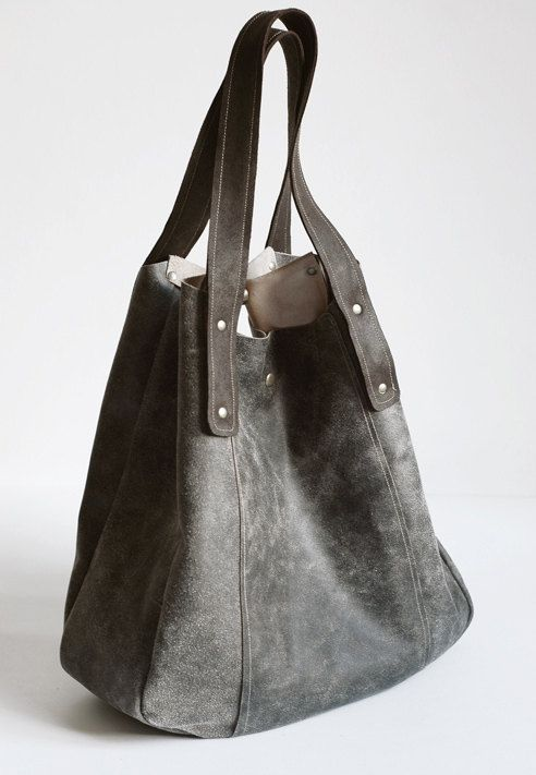 FOKS FORM Lea Bag 03 by FoksForm on Etsy, €68.00.... this bag is amazing! there are so many more along with this