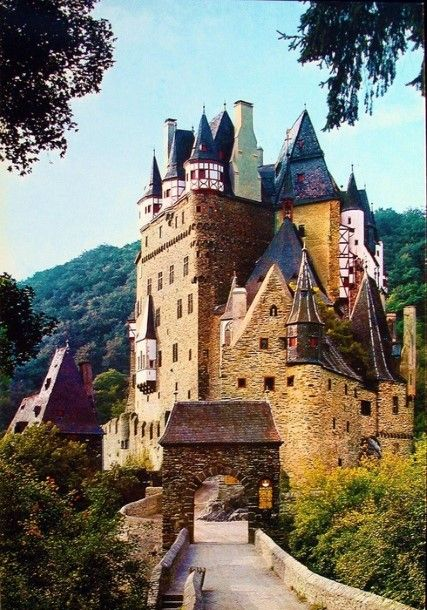 Eltz Castle .  This amazing castle located in Trier,Germany. This is a mediaeval castle.