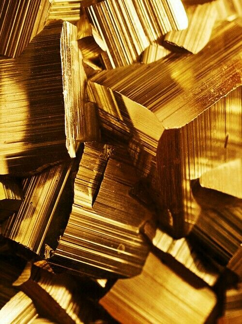 Inspiration: Gold #texture  Pinaholics Chat Room Is Open  pinaholics.chatan...  Pinterest Marketing  mkssocialmediamar...  More Fashion at www.thedillonmall...  Free Pinterest E-Book Be a Master Pinner  pinterestperfecti...