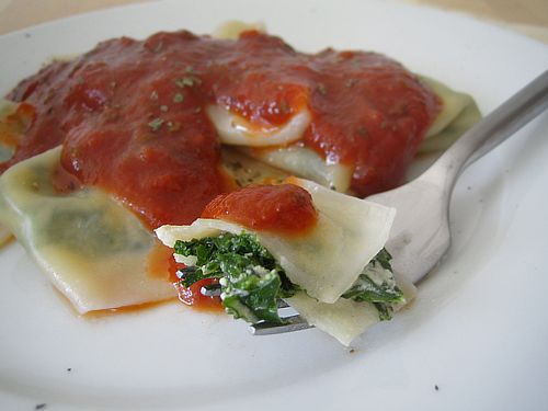 Did you know how easy it is to make your own raviolis? Just shop at your local health food store or Asian market for gluten-free, dairy-free wrappers and fill them up with goodies like spinach and cashew cheese: www.yumuniverse.c...