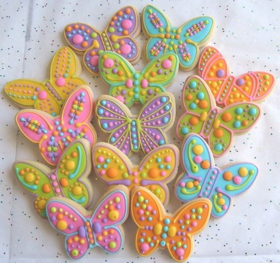 Immensely beautiful decorated Butterfly Cookies in a wonderful springtime/Easter palette. #spring #Easter #butterflies #cookies #decorated #food #baking #dessert #cute