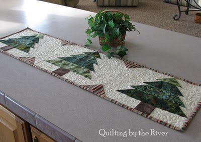 Quilting by the River: Christmas Tree Runner Tutorial
