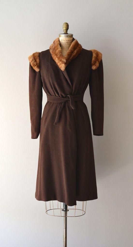 Fur collared 1930s brown wool winter coat.