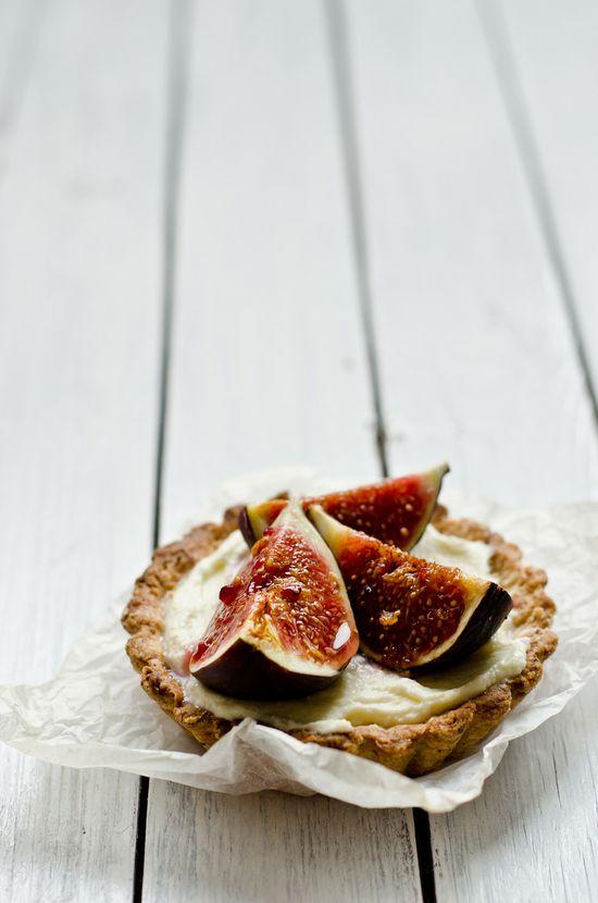 walnut tartelettes with mascarpone cream figs & honey
