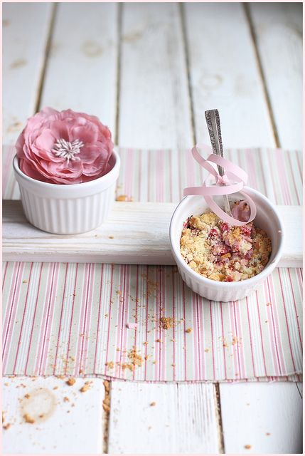 raspberry pear crumble