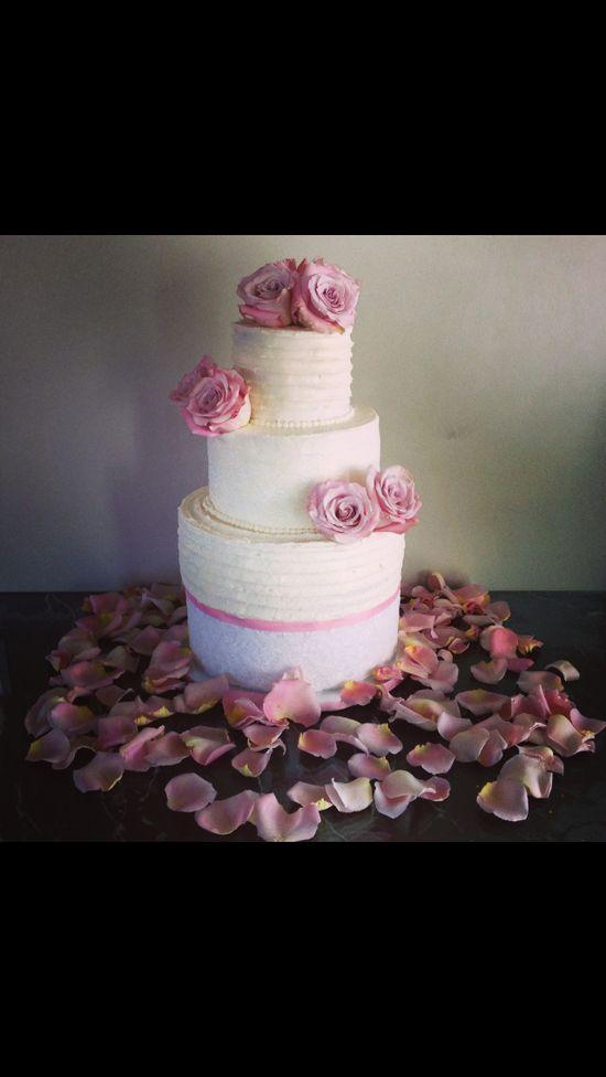 Wedding cake ~ w/fresh blush colored roses