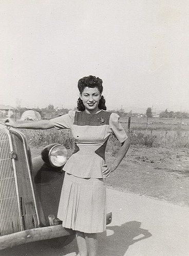Wonderful warm weather outfit (and hair). #vintage #1940s #fashion #women