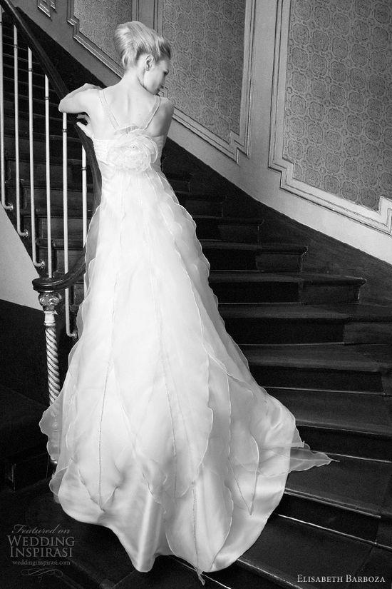 Weddbook ? Wedding dress