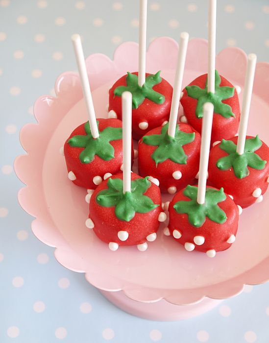 Strawberry shaped cake pops