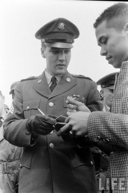 Elvis returning from the army, March 1960 - Amazing vintage celebrity portraits