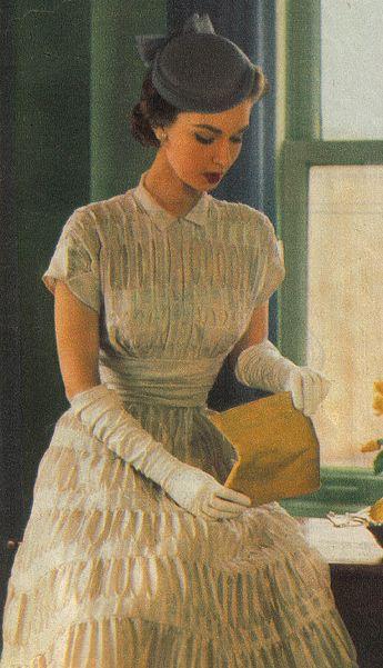 A beautiful, intricately smocked 1950s daywear dress. #vintage #fashion #1950s