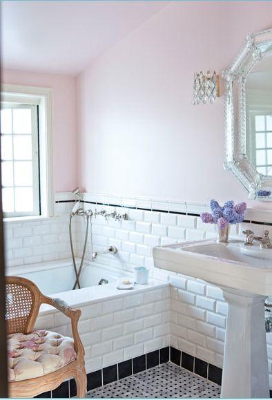 Pink walls, bathroom