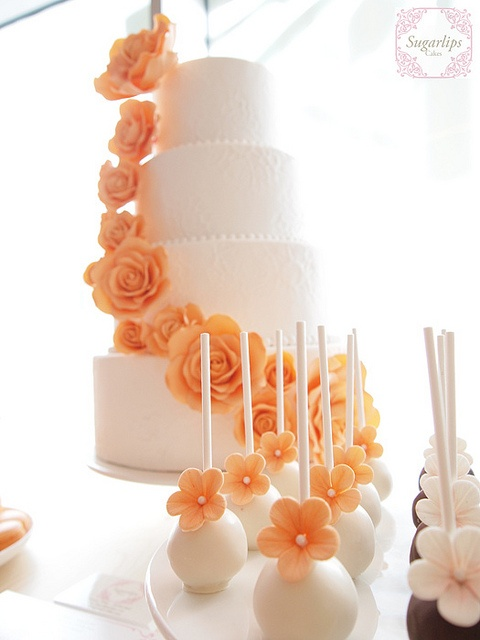 Dessert Table. Wedding Cake & cakepop