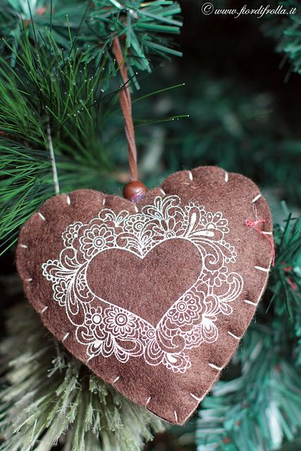 Such a rustically sweet felt heart Christmas ornament. #Christmas #heart #ornament #rustic #brown #decorations