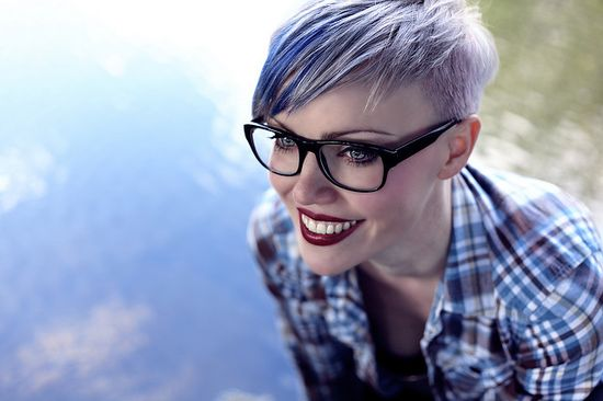 Short hair with glasses ?