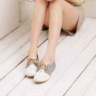 Give me those shoes.