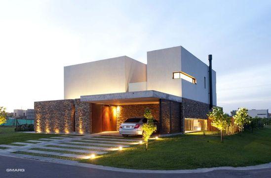 #Modern #House / Estudio GMARQ #Architects